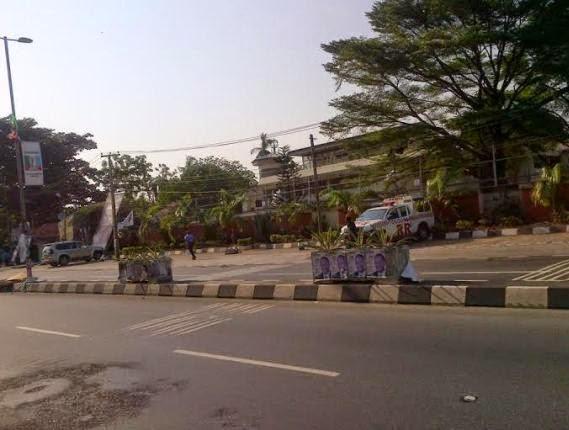Soldiers lay siege to Tinubu's home | softlinkblog